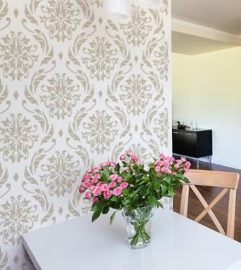 Lily Blooms wall stencil - Wall decor ideas